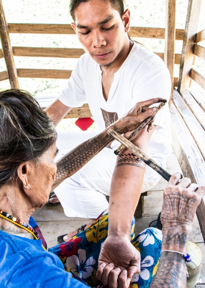 Tattooing by Apo Whang-od