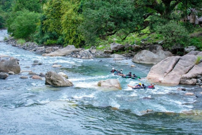 River tubing in Tibiao, Antique
