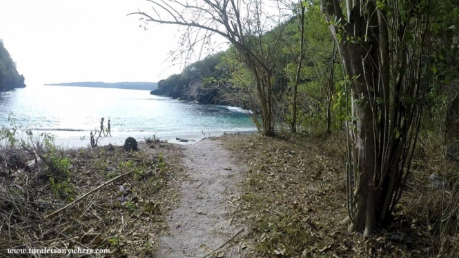 Hidden beach in Crystal Beach, Nusa Penida