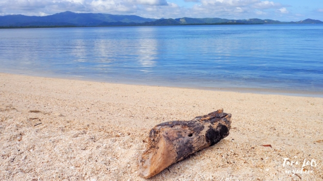 Beach in Maniwaya Island, Marinduque