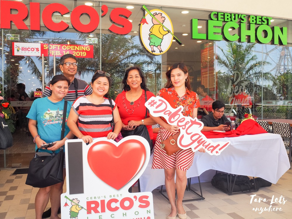 Rico's Lechon in Mall of Asia (MOA), Pasay