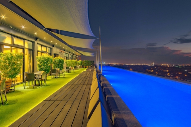 Manila staycations with infinity pool - Azumi Boutique Hotel