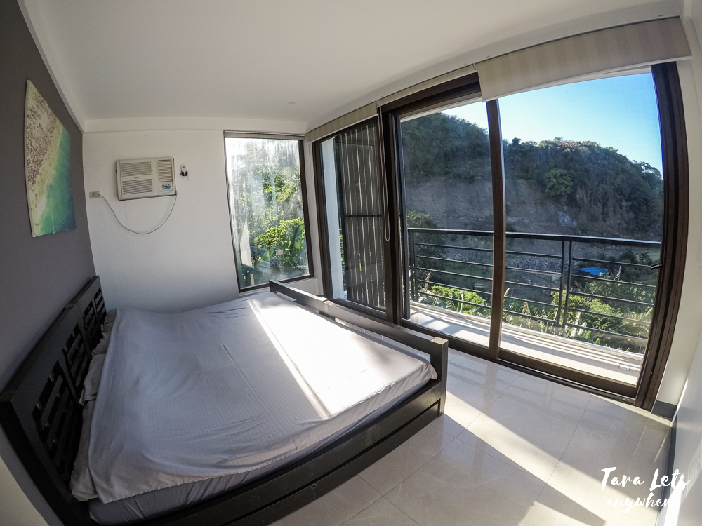 Deluxe room at The Cliffhouse Laguna