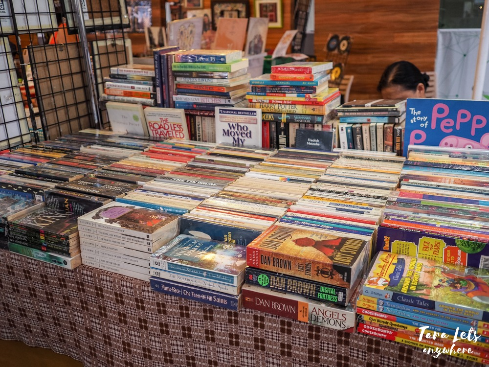 Greenfield Weekend Market - book stall