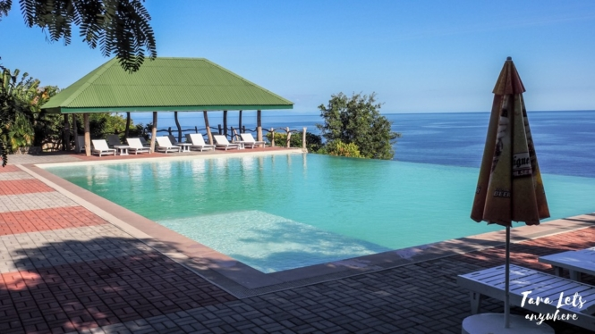 Infinity pool at Punta Verde Resort, Lobo, Batangas