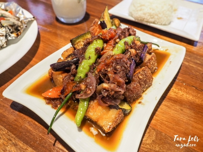 Filipino foods you need to try - pork binagoongan