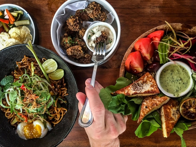 Bali Food Guide: 25+ BEST restaurants in Bali