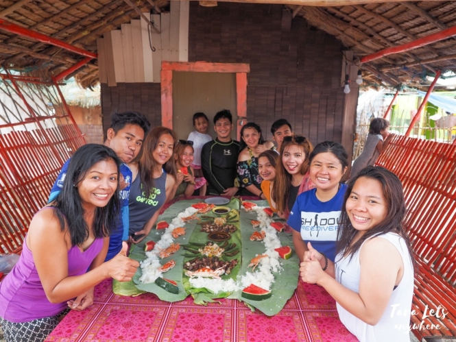 Boodle fight in Papaya Island Cove