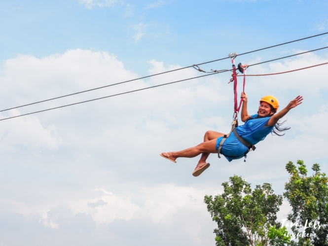 Crystal Waves Resort - zipline