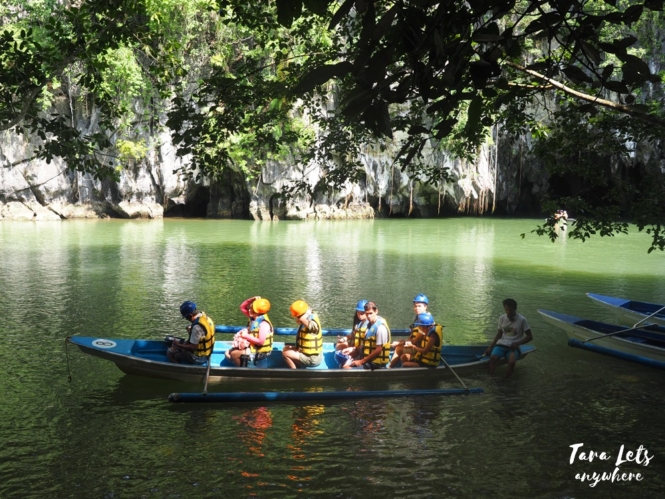 Paddle boat tour to Puerto Princesa Underground River