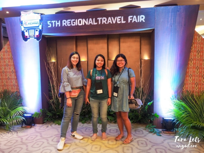 Group shot of bloggers for CDO travel fair