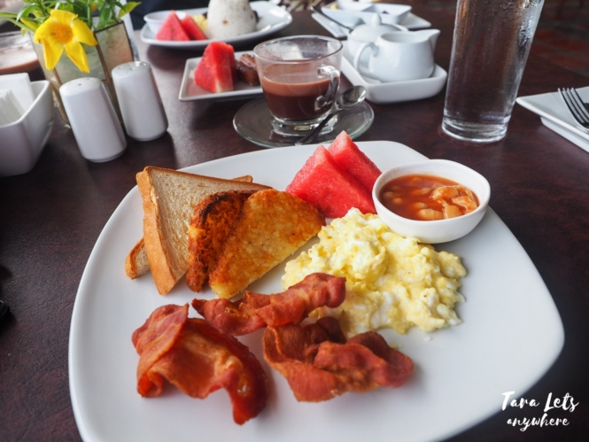 Eagle Point Resort restaurant - breakfast