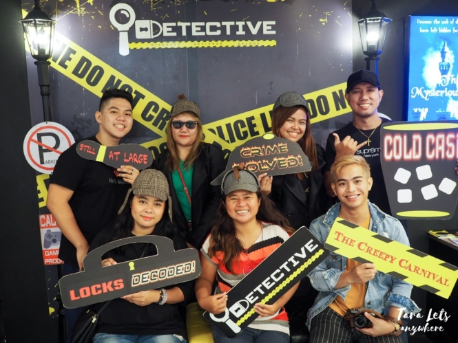 Group shot in i-Detective Sleuth Games