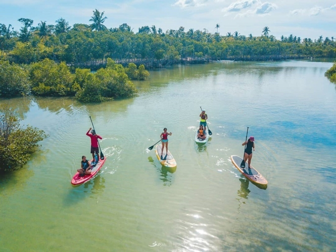 Stand-up paddle in Bantayan Island