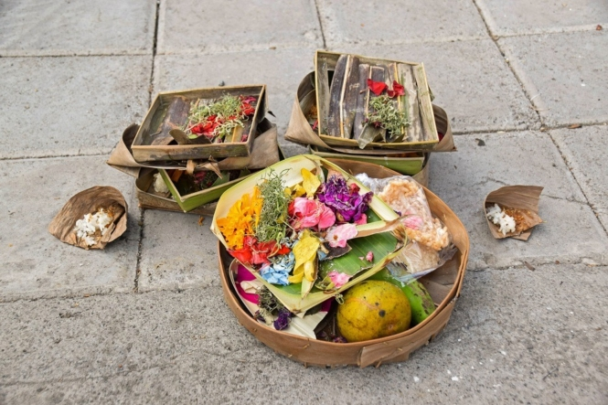 Canang sari or road offering in Bali