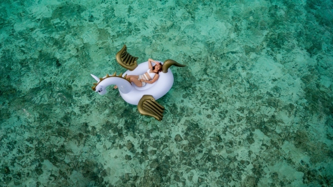 Floater in Maldives
