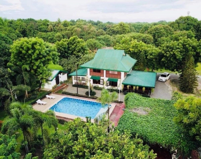 Private resorts in Pampanga - Vacation Farm House